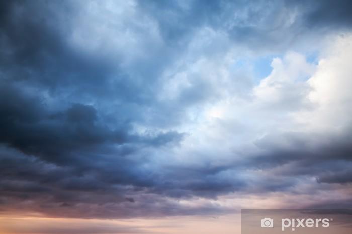 Sticker Pixerstick Orageux bleu ciel nuageux foncé. photo fond naturel - Ciel