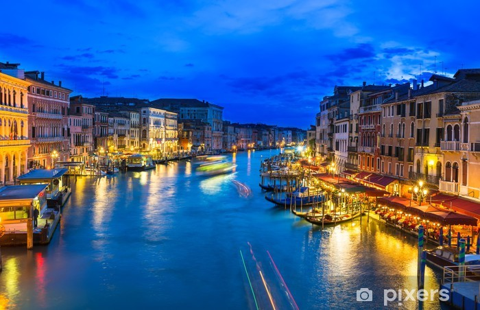 Vinyl-Fototapete Nachtansicht des Canal Grande mit Gondeln in Venedig. Italien - Themen