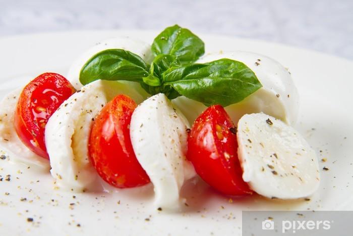 Naklejka Pixerstick Buffalo mozzarella z pomidorami i bazylią - Sery