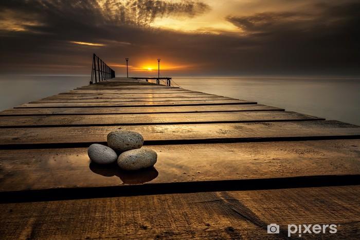Fototapeta winylowa Wschód słońca morze na wybrzeżu Morza Czarnego w pobliżu Warna, Bułgaria - Tematy