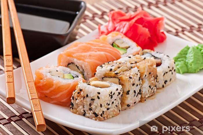 Papier peint vinyle La nourriture japonaise - sushi et sashimi - Sushi