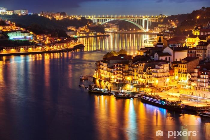 Vinilo Pixerstick Ciudad de Oporto en la noche - Vacaciones