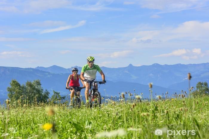 Naklejka Pixerstick Dwa górskie rowerzystów - Tematy