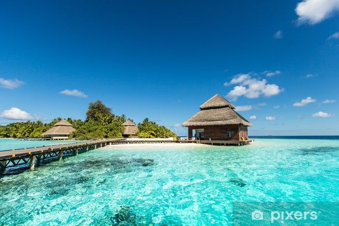 Fototapeta winylowa Beach Villas na małej tropikalnej wyspie - iStaging