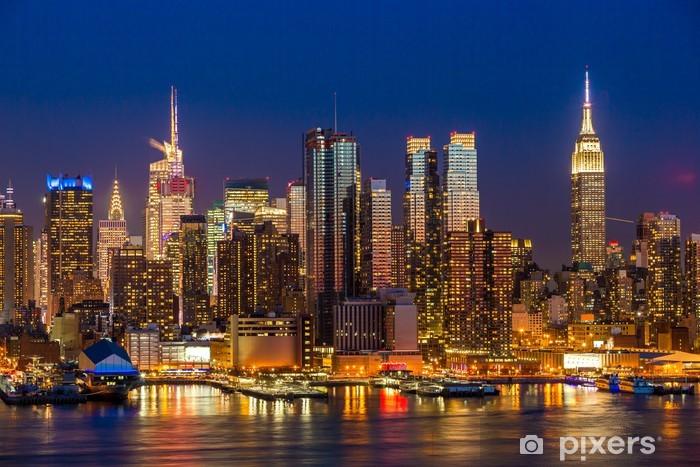 Fototapet av Vinyl New York City Manhattan Midtown byggnader skyline natt - Amerikanska städer