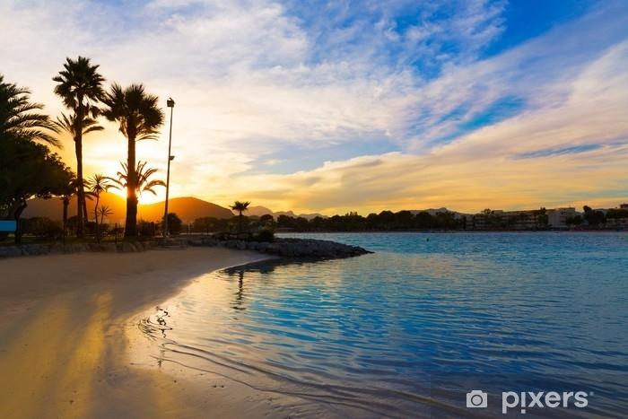 Papier peint vinyle Coucher de soleil sur une plage de Majorque - Voyages