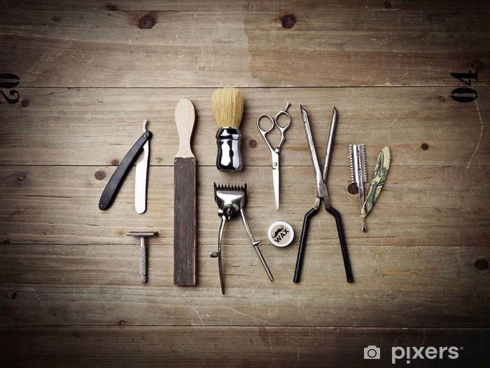 Papier peint vinyle Équipement vintage de salon de coiffure sur bois fond - Beauté et soins du corps