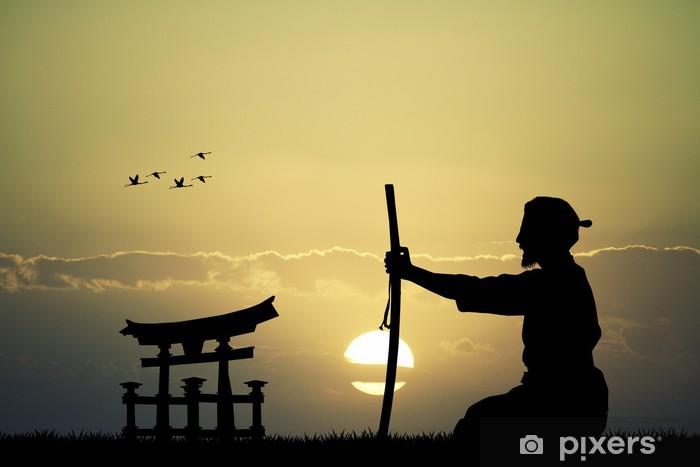 Papier peint vinyle Homme japonais avec l'épée au coucher du soleil - Hommes