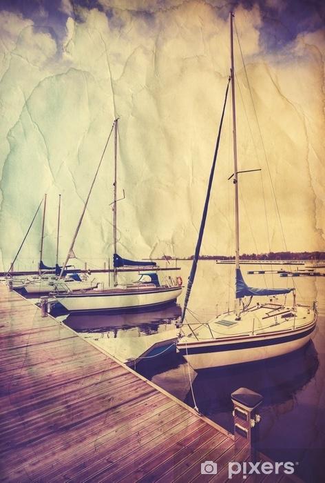 Vinyl-Fototapete Retro alte Papierpostkarte mit Segelbooten am hölzernen Pier. - Transport