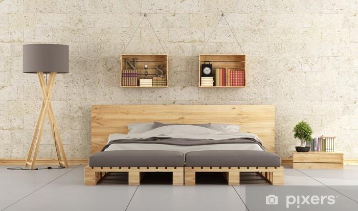 Carta da Parati in Vinile Camera da letto moderna con letto pallet sul muro  di mattoni
