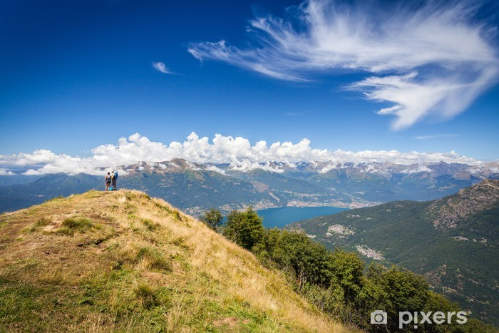 Papier peint vinyle Lago di Como (IT) - panorama dall'alpe Giumello - Montagne