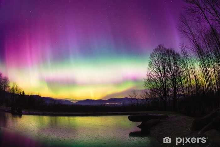 Fotomural Estándar Poco frecuentes aurora boreal en Vermont. - Naturaleza y zonas salvajes
