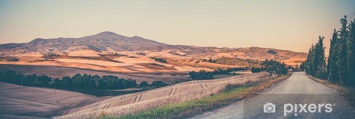 Fototapeta winylowa Krajobraz toskański rocznika - Podróże