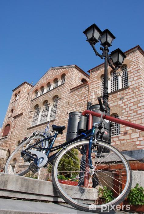 Naklejka Pixerstick Rower na schodach przed aChurch - Religie