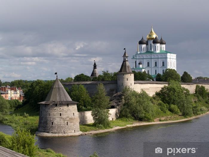 Sticker Pixerstick Murs de la vieille Kremlin de Pskov, Russie - Asie