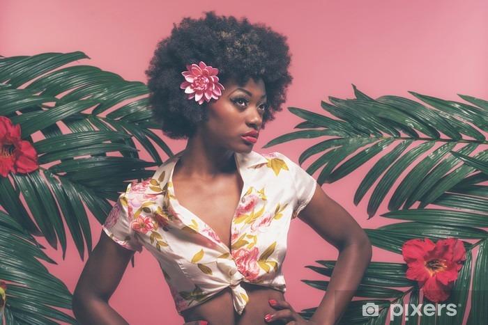 Vinilo Pixerstick Afroamericana sensual pin-up Entre las hojas de palma. Contra la Rosa B - Gente