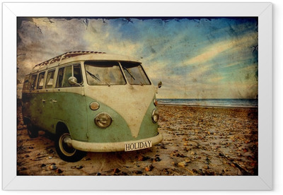 Retroplakat - Bulli am Strand Framed Poster