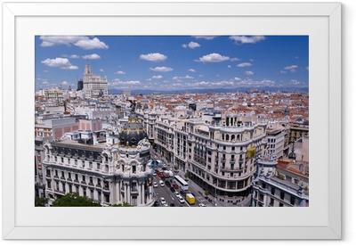 Gerahmtes Poster Blick auf die Gran Via von Madrid (Spanien)