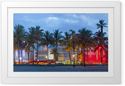 Ingelijste Poster Hotels in Florida en restaurants bij zonsondergang Miami Beach,