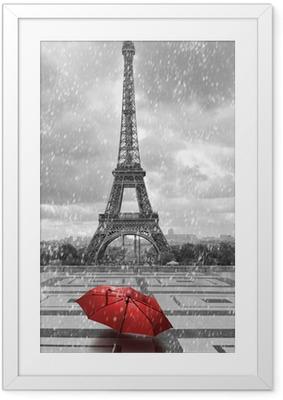 Poster en cadre Tour Eiffel sous la pluie. Photo noir et blanc avec un élément rouge