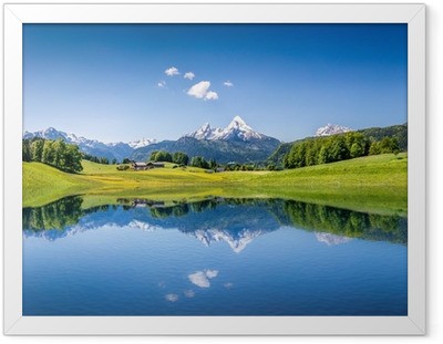 Plakat w ramie Idylliczne letnich krajobraz z górskie jezioro i Alpy