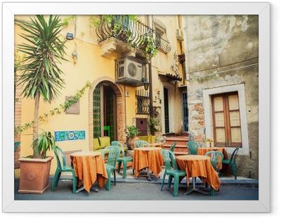 Gerahmtes Poster Straßencafé in Taormina