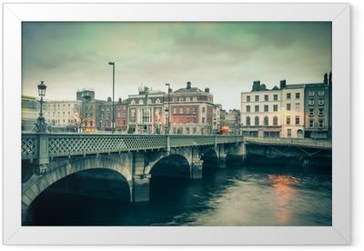 Ingelijste Poster Vintage stijl beeld van Dublin Ierland Grattan Bridge