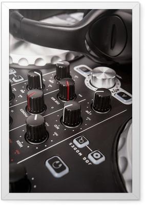 Gerahmtes Poster DJ-Mixer