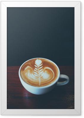 Ingelijste Poster Kopje koffie latte art in coffeeshop