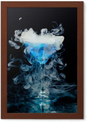 Quadro su Tela Cocktail blu con spruzzata di ghiaccio e vapore • Pixers® -  Viviamo per il cambiamento 257b35bf3ce