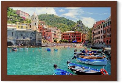 Gerahmtes Poster Bunte Hafen von Vernazza, Cinque Terre, Italien