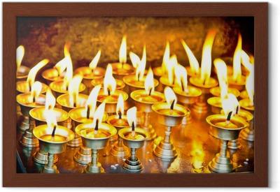 Poster en cadre Bougies à swayambhunath temple au Népal