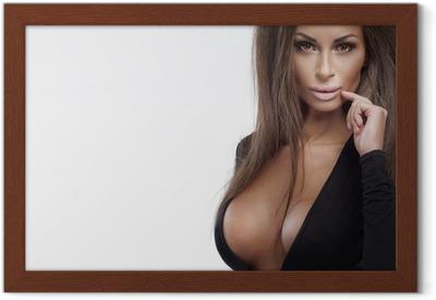 Kuva seksikäs blondi nainen poseeraa kesäpäivänä Juliste • Pixers® - Elämme  muutoksille 4ecd0afcd8