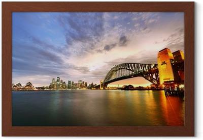 Ingelijste Poster Sydney Harbor Panorama bij schemering