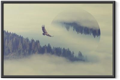 Póster com Moldura Floresta na encosta da montanha. efeito de reflexões geométricas
