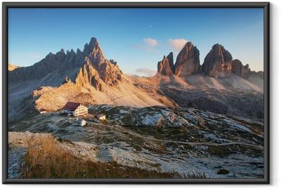 Poster en cadre Dolomites panorama de montagne en Italie au coucher du soleil - Tre Cime - Panoramique