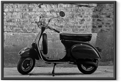 Póster com Moldura Scooter in front of a wall
