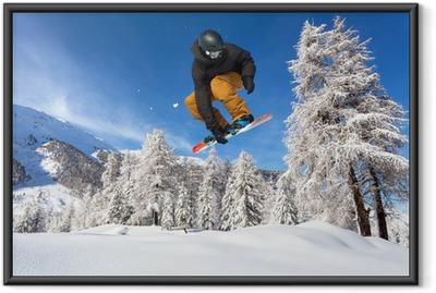 Ingelijste Poster Snowboarder in neve fresca