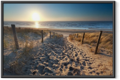Plakat w ramie Słońce na plaży w drodze do północnej morza