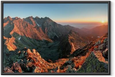 Ingelijste Poster Zonsondergang van de berg panorama vanaf de top - Slowakije Tatra