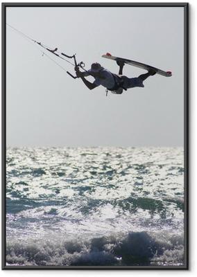 Poster en cadre Kitesurfer ci-dessus vague
