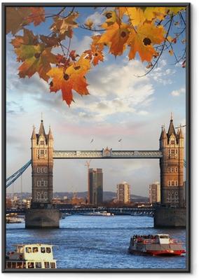 Poster in Cornice Tower Bridge con foglie di autunno a Londra, Inghilterra