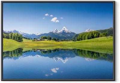 Poster en cadre Paysage idyllique d'été avec lac de montagne et les Alpes