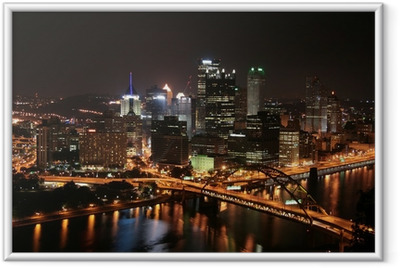 Plakat w ramie Pittsburgh skyline z Mount Washington w nocy.
