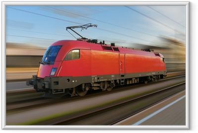 Gerahmtes Poster Modernen europäischen elektrische Lokomotive mit Bewegungsunschärfe