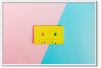 Retro kasettinauhat kirkkaalla taustalla Kehystetty juliste