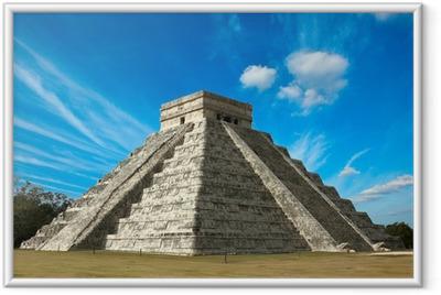 Plakát v rámu Mayské pyramidy v Chichen Itza, Mexiko
