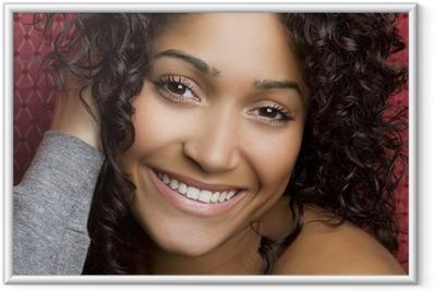Poster en cadre Smiling Black Girl