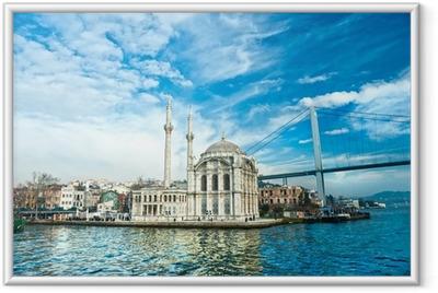 Ingelijste Poster Ortakoy moskee en de Bosporus-brug, Istanbul, Turkije.