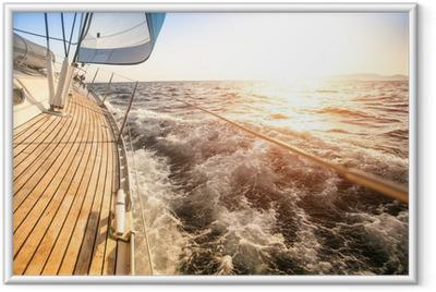 Poster en cadre Voile au lever du soleil. yacht de luxe. - Mer et océan